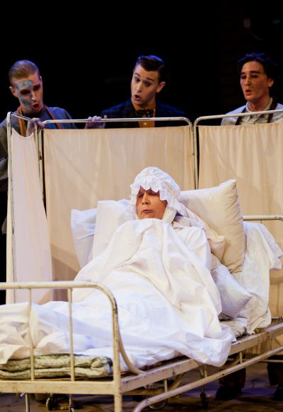 Gianni Schicchi in bed